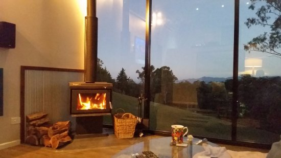 Ocean View, Australia: Winter fire & view from full length windows