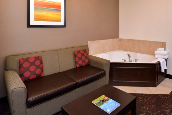 Lititz, PA: One room jacuzzi suite with king bed and pull out sleeper sofa