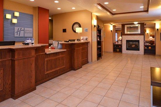 Lititz, PA: Main lobby and desk area