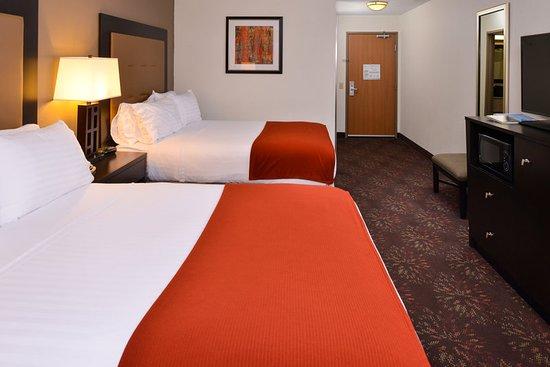 Lititz, Pensilvania: Room with two queen beds