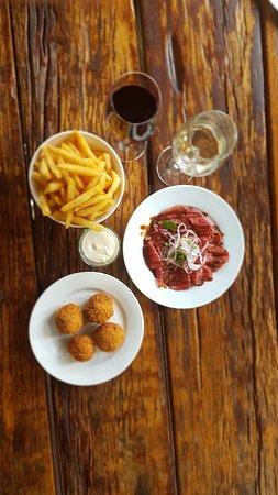 Swan Valley, ออสเตรเลีย: Arancini, wagyu beef & chips