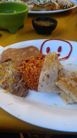 Benson, AZ: Quesadilla meal.  Finished with a Donkey shaped cinnamon and sugar tortilla