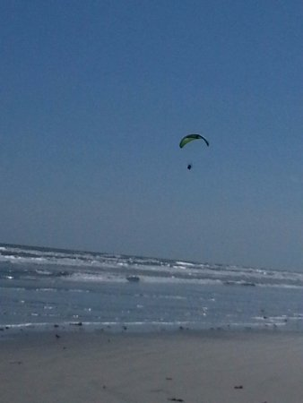 parasail at Crescent Beach