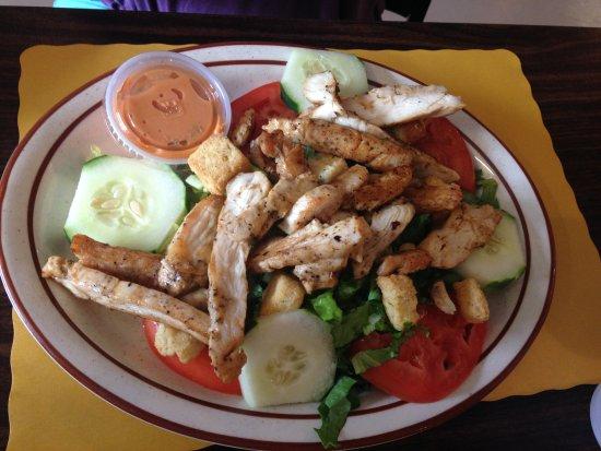 Keshena, WI: Grilled chicken salad