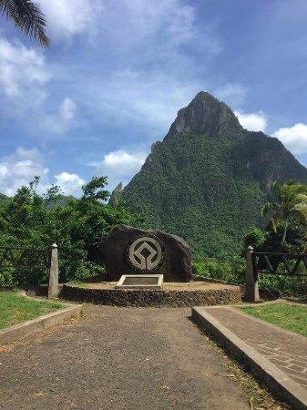 Vieux Fort, St. Lucia: Pitons : Soufriere St Lucia