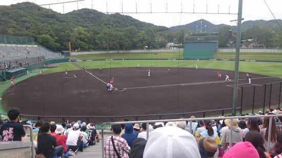 Sapporo, Japan: 2017年8月14日に札幌市円山球場で行われた「北海道日本ハムファイターズ(ファーム)vs北海道社会人・大学選抜」の試合で撮影した写真