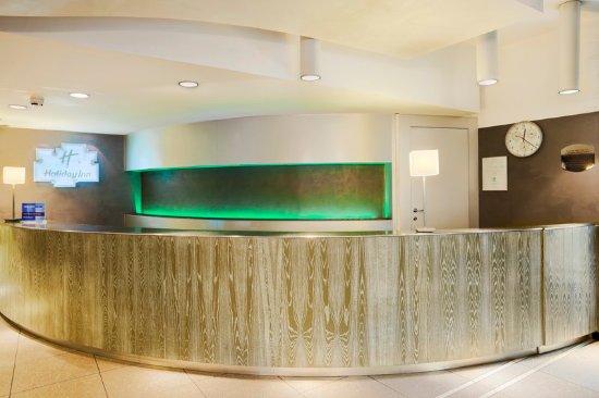 Holiday Inn Turin City Center: Front Desk