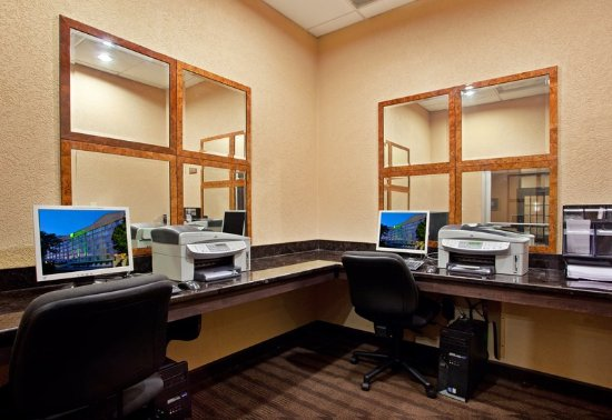 Holiday Inn Strongsville-Cleveland Airport Business Center