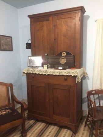 Amana, IA: Móveis antigos no museu