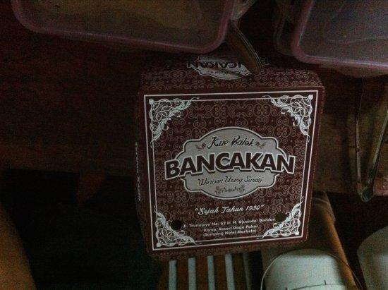Nasi Bancakan: Kue balok sudah dalam kotak siap dibawa pulang buat oleh-oleh