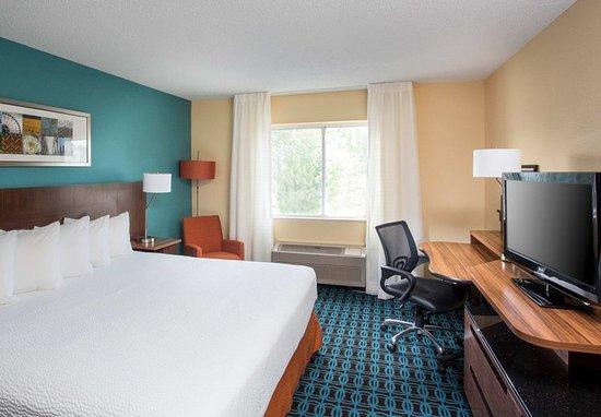 Terre Haute, Indiana: King Suite