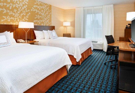 Port Huron, MI: Queen/Queen Guest Room