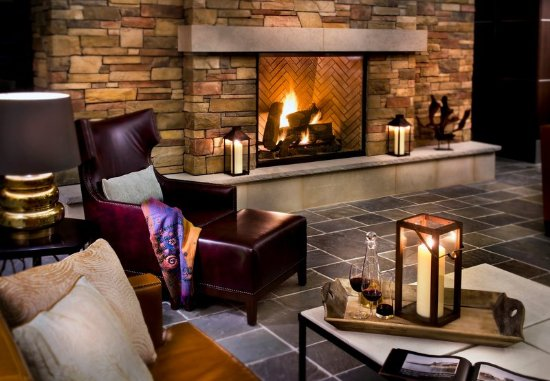Trumbull, CT: Lobby Fireplace