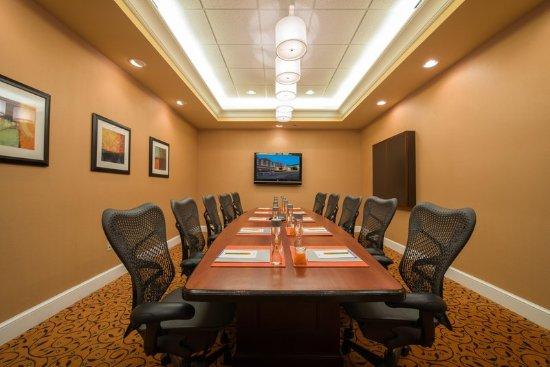 Lynchburg, VA: Randolph Executive Board Room