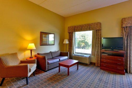 เชิร์ตซ์, เท็กซัส: Suite Living Space