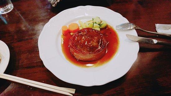 Izumi, Japón: 美味!! ベーコン巻きハンバーグ