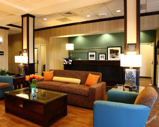 Farmington, MO: Perfect Mixl Lobby