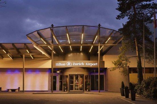 Opfikon, سويسرا: Hotel Front Entrance