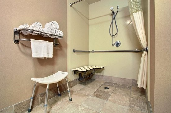West Bend, WI: Accessible Shower