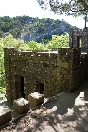 Turner Falls Park : Collings Castle