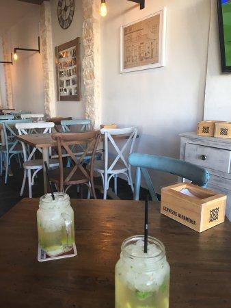 Resultado de imagen de bar restaurante to-do santanyi