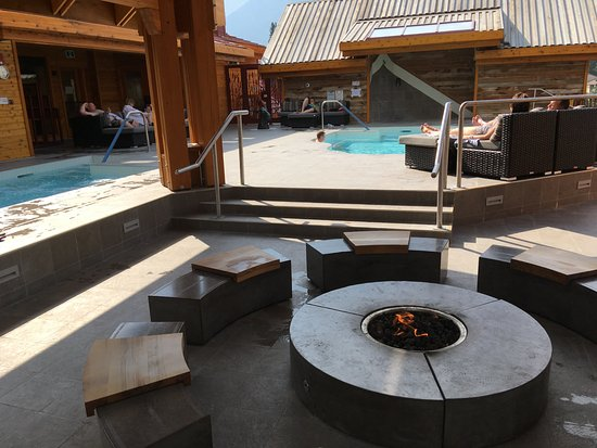 1 of 2 Huge Hot Tubs - Picture of Moose Hotel and Suites ...