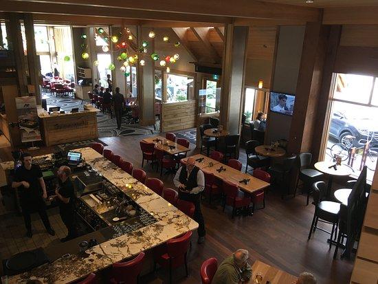 Moose Hotel And Suites Pacini Restaurant