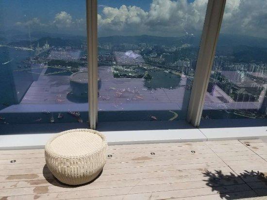 The Ritz-Carlton, Hong Kong: photo1.jpg