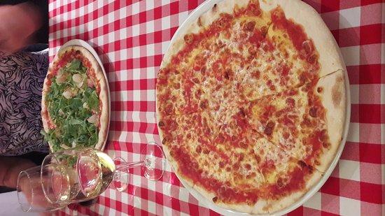 Pasta i Basta Cafe: 20170814_203305_large.jpg
