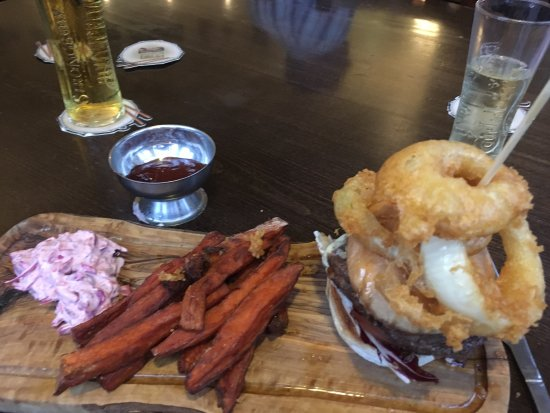Snettisham, UK: Specials menu steak burger! After my partner had this the other day we had to come back so I cou