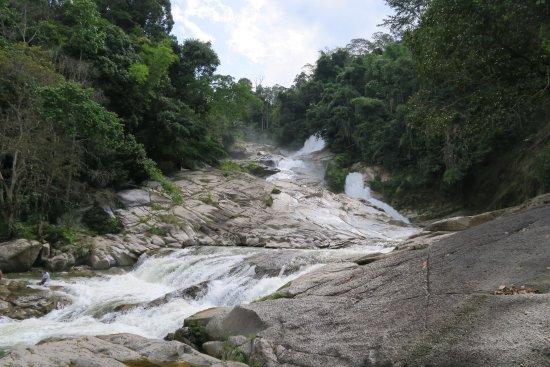 Bentong, Μαλαισία: Chamang Waterfall
