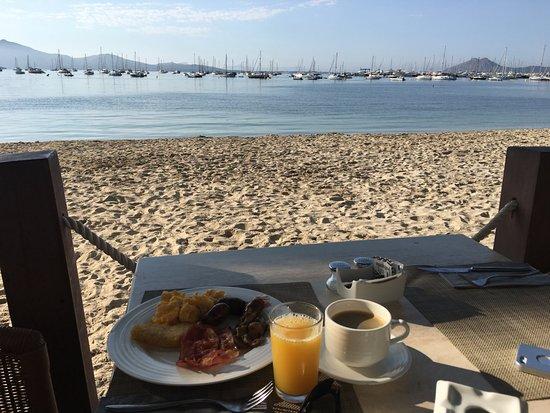 Hoposa Bahia Hotel: Morgenmad på hotellet