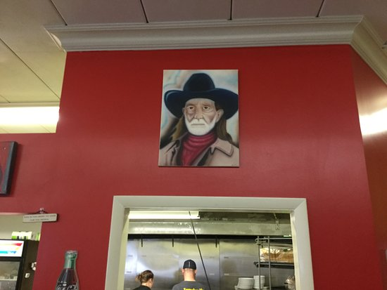 Streetsboro, OH: Willie Nelson on the wall.... Love it!