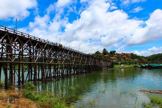 Sangkhla Buri, Thailand: Sangkhlaburi - Wooden Bridge (3)