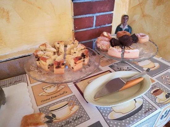 Altopascio, Italia: Ecco la ricca colazione del fornello