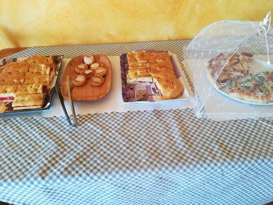 Altopascio, อิตาลี: Ecco la ricca colazione del fornello
