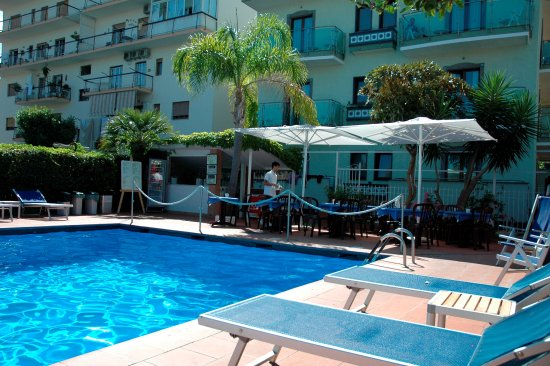 Hotel central updated 2018 prices reviews photos - Hotel in sorrento italy with swimming pool ...