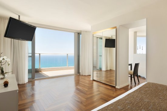 Ramada Hotel and Suites Netanya