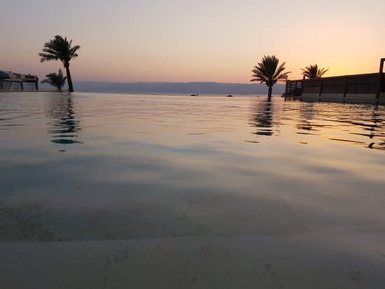 Swiss-Belresort Tala Bay, Aqaba: 20170813_191523_large.jpg