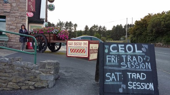 Furbo, Irlanda: Façade si on arrive de Galway