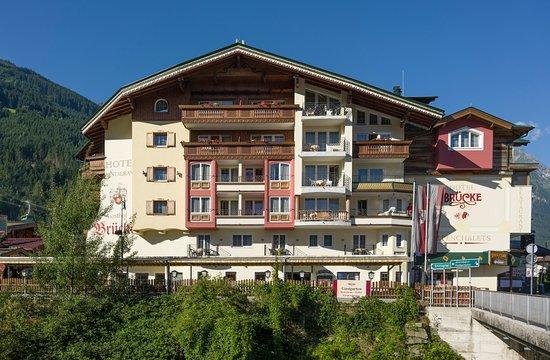Restaurant Mayrhofen & Gastgarten | Hotel Gasthof Brcke