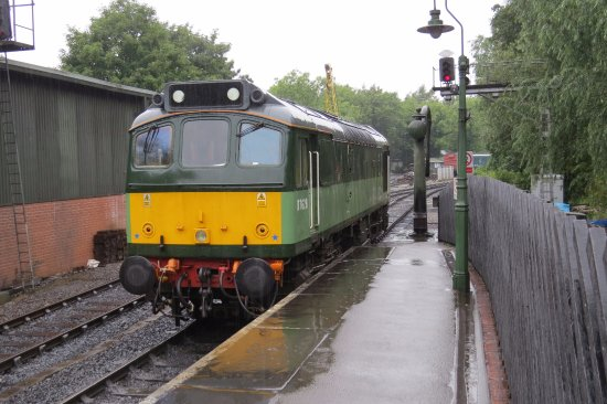D7628 Sulzer Type 2 (BR Class 25), positioning onto the 1200 Pickering to Whitby service, 08 Aug