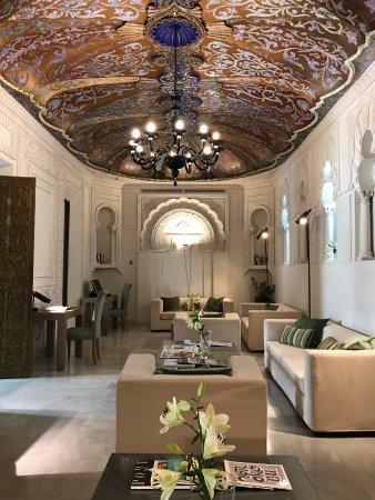 Hospes Palacio del Bailio: Cozy reading room