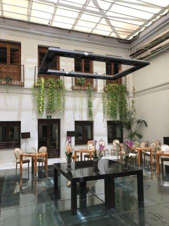 Hospes Palacio del Bailio: Breakfast area