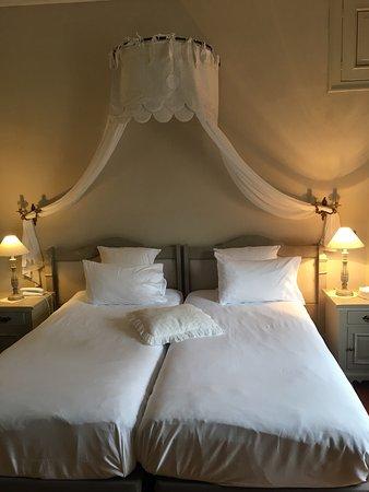Domaine de Beaupré : la charmante chambre Alienort avec sa grande terrasse