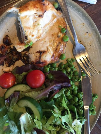 Nando's Bedford: Butterfly chicken with salad and macho peas