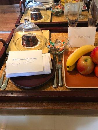 Auberge du Soleil: Anniversary goodies waiting for us in room