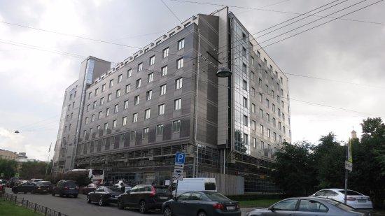 Original Sokos Hotel Olympia Garden: Hotel seen from Kinky Street