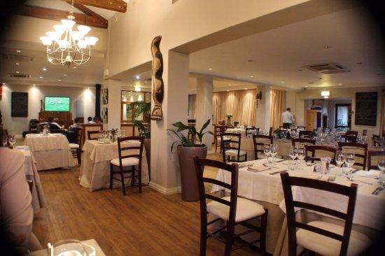 Chez Shiraz: ....interior view