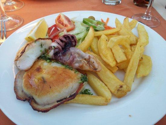 Capri Hotel: 20170814_202429_large.jpg